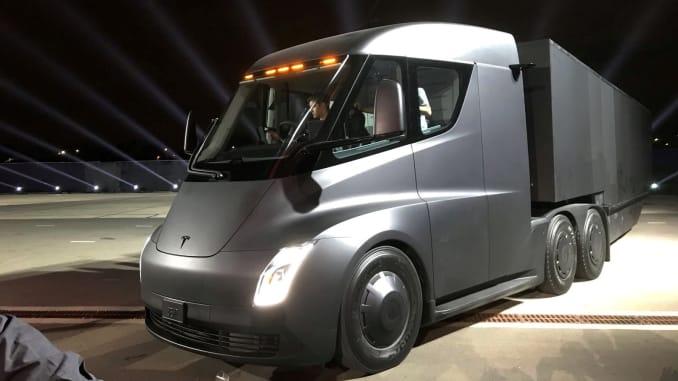 Tesla Semi voltly
