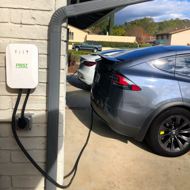 Electric-vehicle-howto-charge-guide-public-destination-fast-rapid-tesla-supercharger